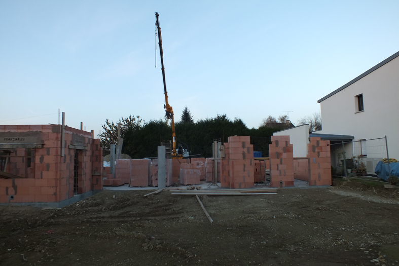 2014-11-architecte-maison-vern-sur-seiche-chantier-maconnerie-02