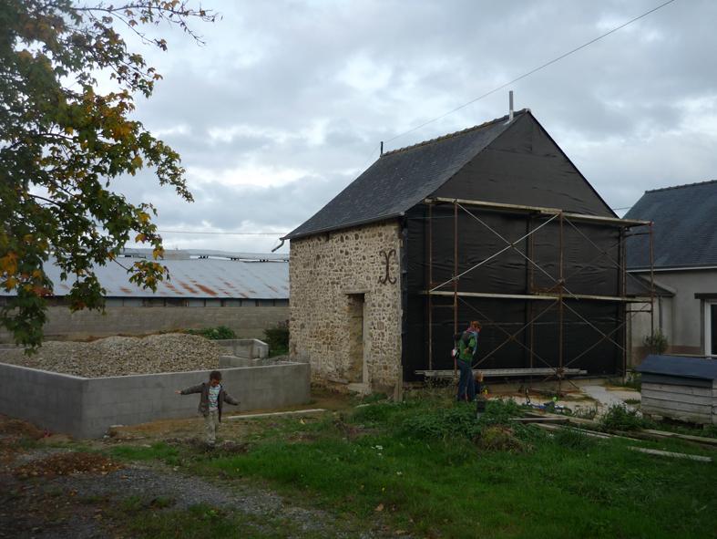2014-12-architecte-maison-martigne-chantier-garage-02