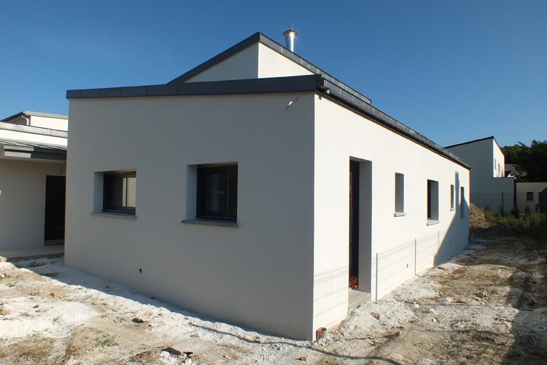 2015-06-architecte-maison-vern-sur-seiche-chantier-facade-04