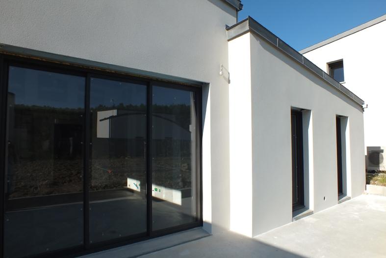 2015-06-architecte-maison-vern-sur-seiche-chantier-facade-05