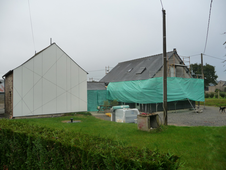 2016-10-architecte-maison-martigne-chantier-facade-01