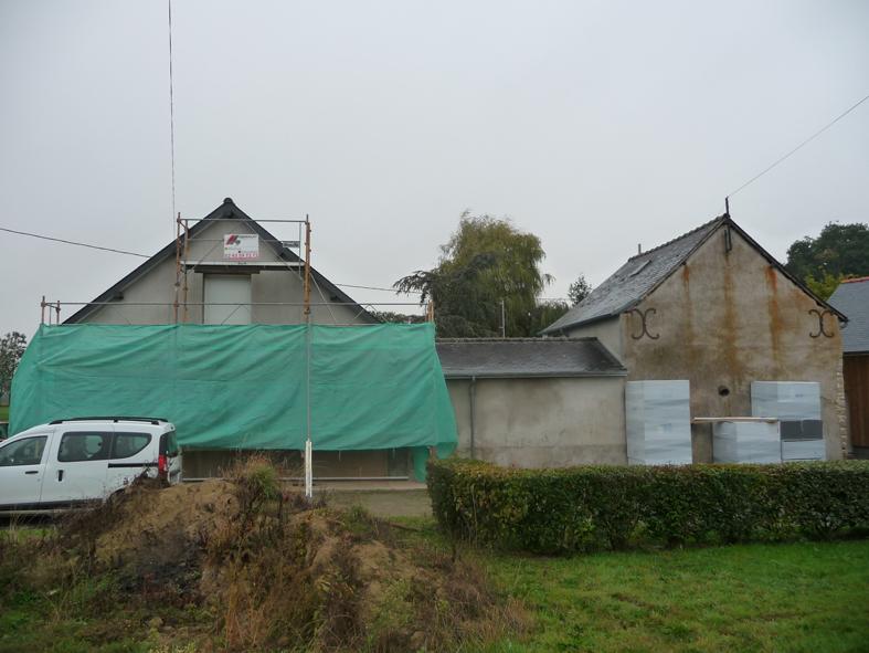 2016-10-architecte-maison-martigne-chantier-facade-02